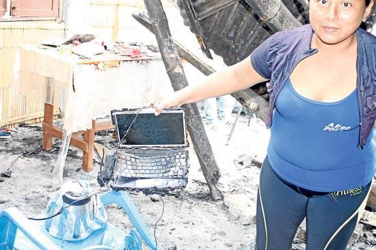 Incendio deja en la  calle a los miembros de una familia en Jaramijó