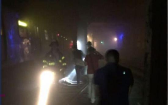 Al menos 34 heridos tras descarrilar un metro en Nueva York