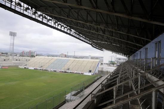 Inician los trabajos de reconstrucción en el estadio Jocay de Manta