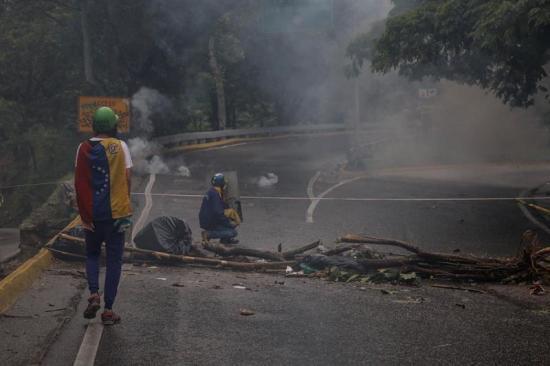 Muere un joven que resultó herido por disparo durante una protesta en Caracas