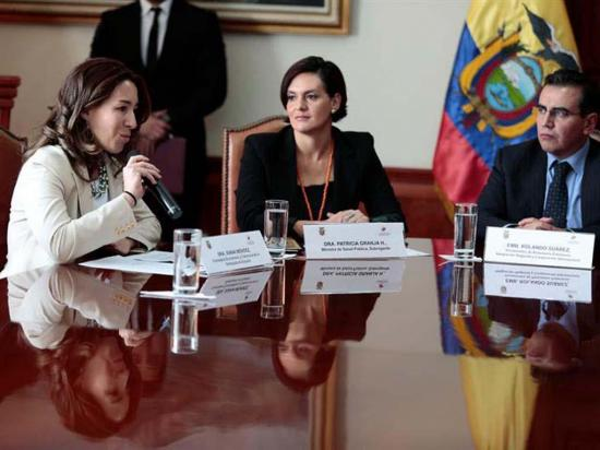 Ecuador y España  suscriben acuerdos por $6 millones en canje