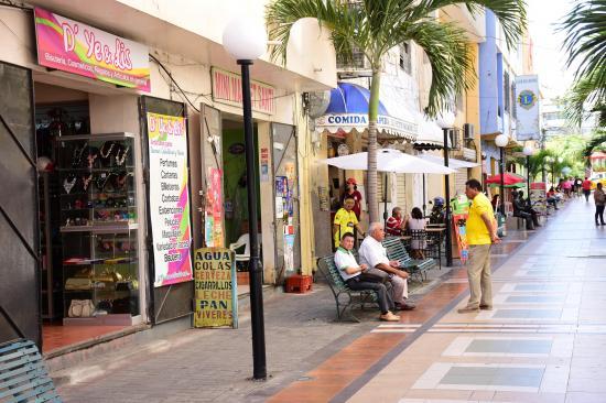 Este viernes se vence el plaza para renovación de licencias de negocios en Manta