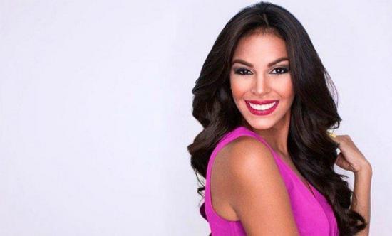 Miss Venezuela se suma a las protestas en su país sin dejar la corona