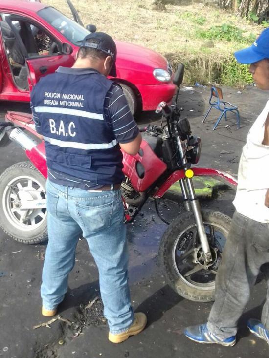 Retienen moto en la coop. 2 de Mayo