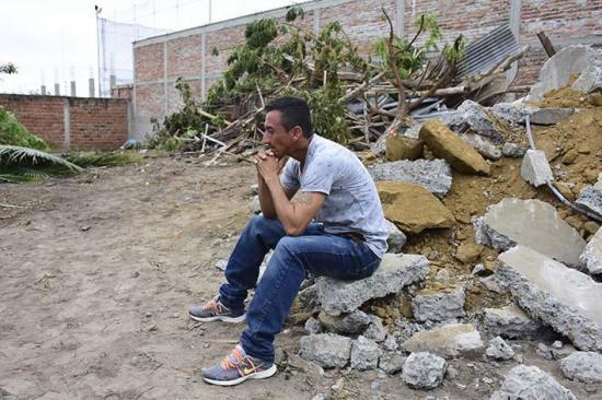 El drama y dolor detrás de los desalojos en Manta