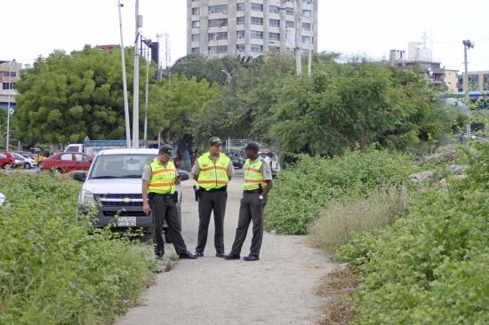 Anuncian más controles en sector La Poza, en Manta, tras muerte de indigente