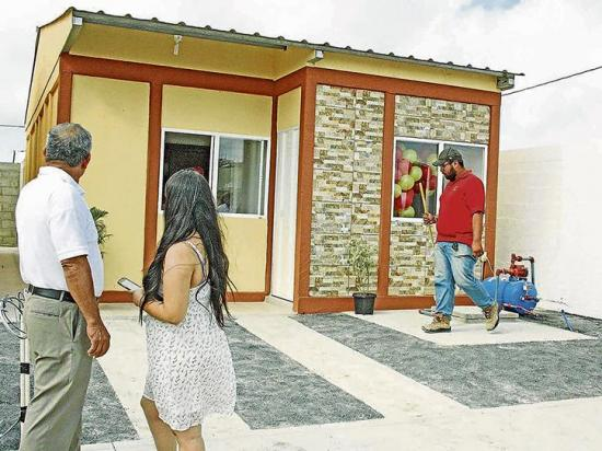 Inauguran un plan habitacional con casas de 27 mil dólares