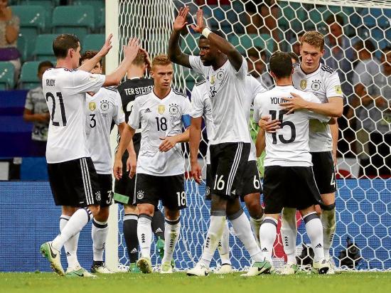 La Selección de Alemania va por 'La Roja'