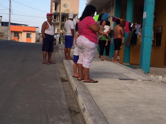 El temor se apoderó de ciudadanos de diferentes cantones manabitas tras sismo