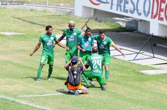 ¡Agónico triunfo! Liga de Portoviejo derrota por 3-2 al Manta FC