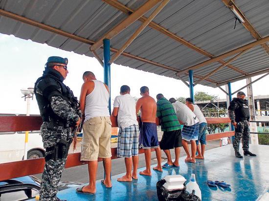 """Capturan a 6 presuntos traficantes de droga en """"Barranco Pelado"""""""