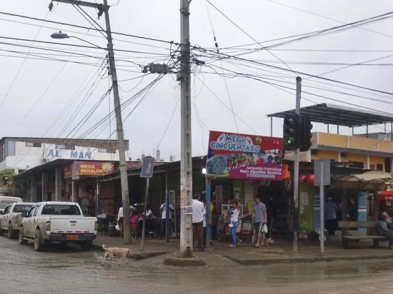 Rezan para que se acaben los apagones en Puerto López