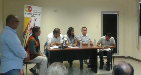 Secretaría de Riesgos y COE de Jama se reúnen tras fuerte sismo