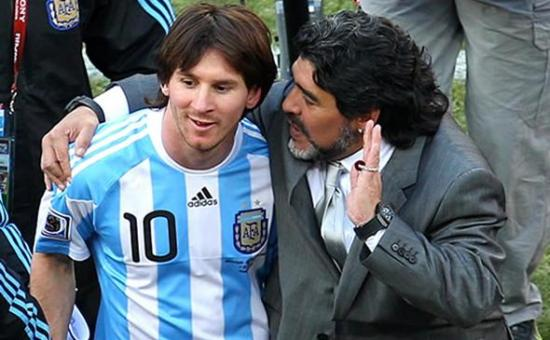 Maradona felicita a Messi por su boda, aunque no lo haya invitado