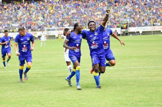 ¡HISTÓRICO! Delfín SC vence a Liga de Quito y es finalista de la Serie A