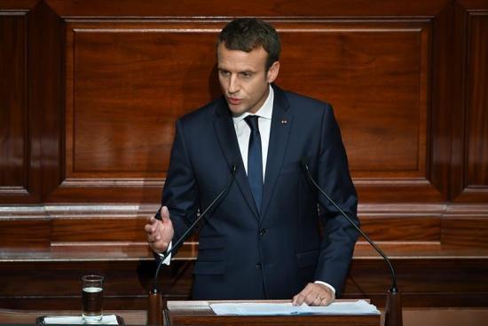 Detenido un hombre que presuntamente quería asesinar a Macron el 14 de julio