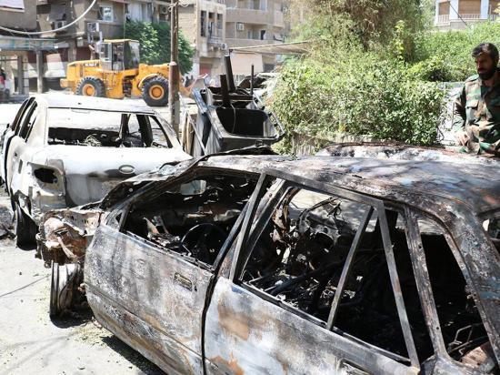 21 muertos en un triple atentado