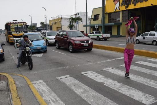 Aventurera  en semáforo