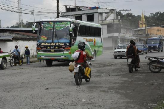 Habitantes de la parroquia Valle Hermoso de Santo Domingo se quejan por el estado de las calles