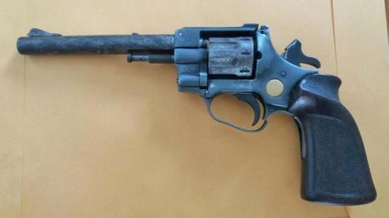 Dos hombres fueron detenidos en Manta por portar armas de fuego