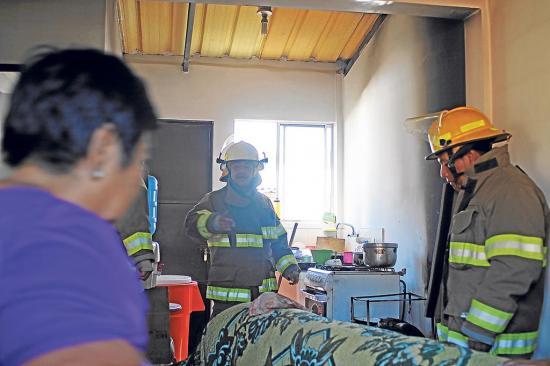 Conato de incendio destruye una cocina en la ciudadela 20 de Mayo de Manta