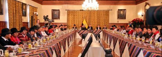 El presidente Lenín Moreno inicia diálogo con indígenas con cesión de sede