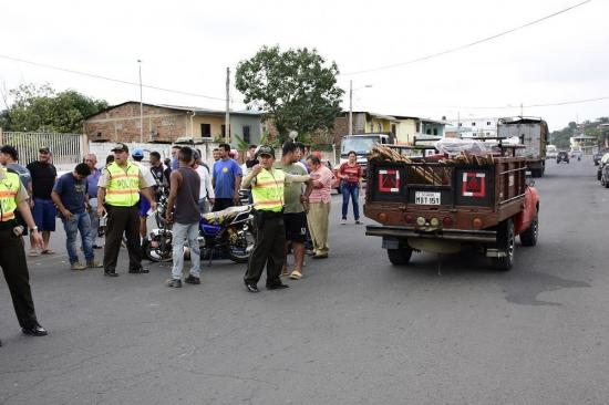 Motociclista resulta herido tras choque en la vía Portoviejo -Santa Ana