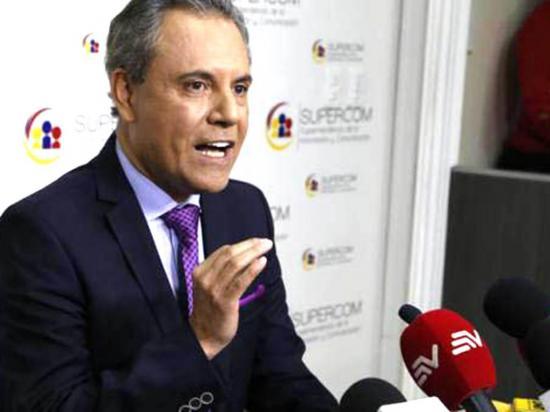 Organizaciones piden que no se archive proceso contra Carlos Ochoa