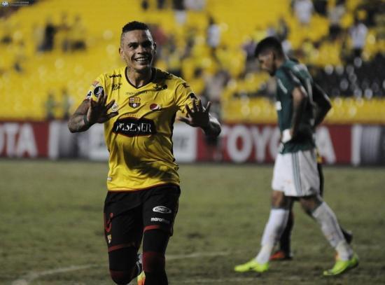 Jonathan Álvez le da un agónico triunfo al Barcelona SC sobre el Palmeiras