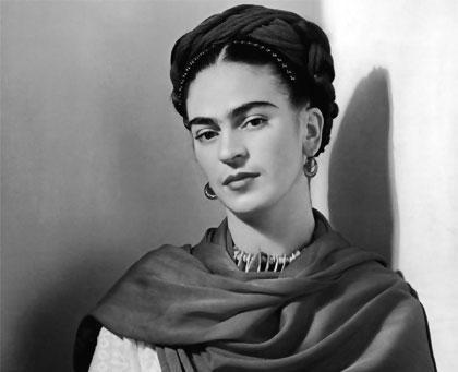 Frida Kahlo, 110 años de una artista marcada por el dolor y su propio mito
