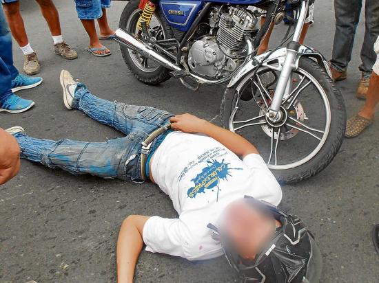 Motociclista herido en la vía a Santa Ana