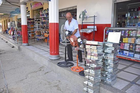 Más comercio  regresa a Tarqui