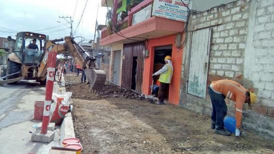 Aceras nuevas en  calles de Eloy Alfaro