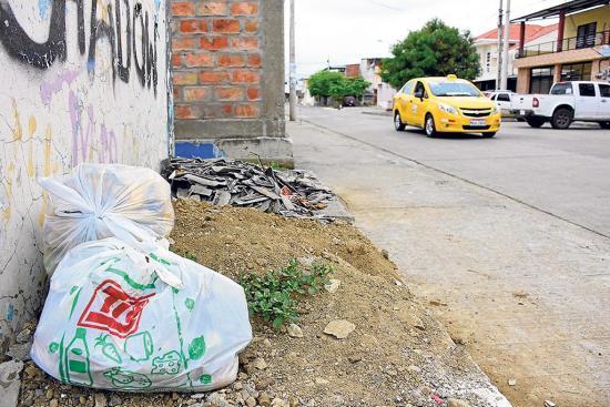 Garita abandonada es un basurero