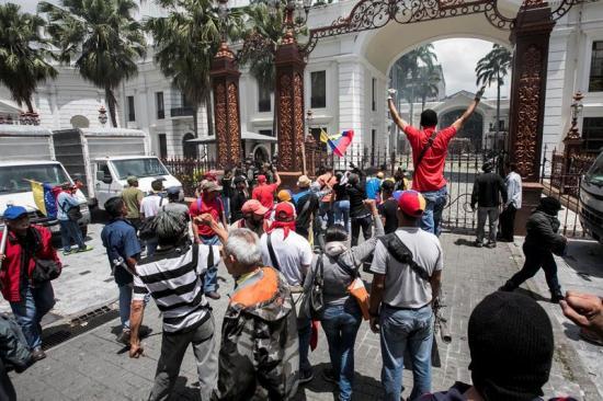 Jefe del legislativo acusa al Gobierno de Maduro de ordenar ataque a la Asamblea Nacional