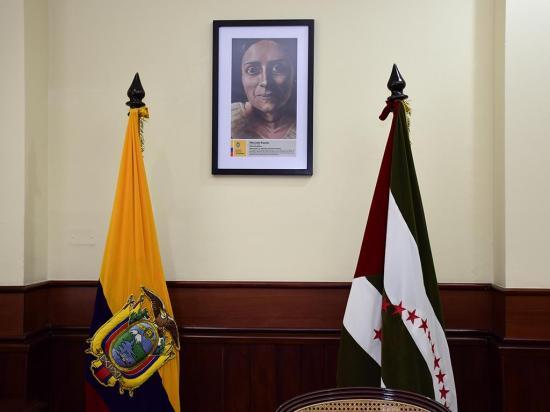 El retrato de Manuela Espejo ya está en la  Gobernación de Manabí