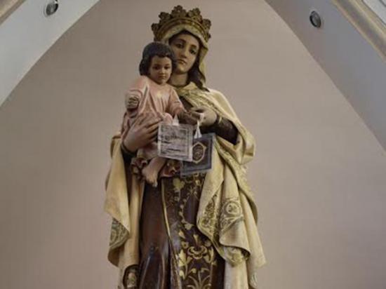 La Virgen del Carmen lucirá un color de vestido cada día