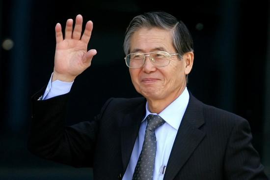 Fujimori es trasladado a una clínica mientras miles marchan contra su indulto