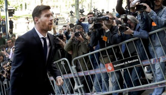 Audiencia sustituye la pena de cárcel de Messi por una multa de $288.000