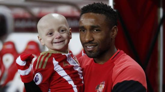 Muere Bradley Lowery, el niño con cáncer que se convirtió en el mejor amigo de Defoe
