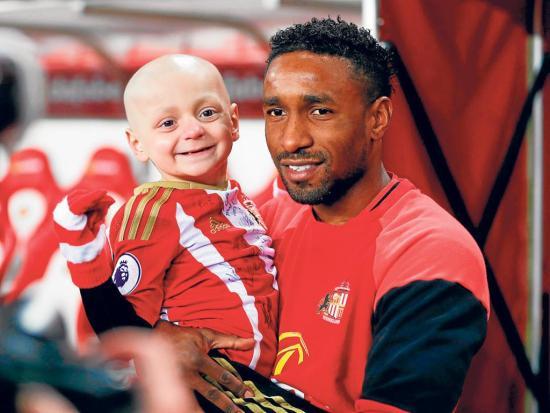 """""""Bradley se ha ido con los ángeles"""", dice Jermain Defoe"""