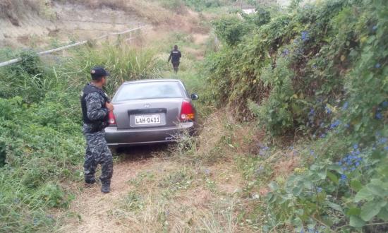 Policía recupera vehículo robado en Manta