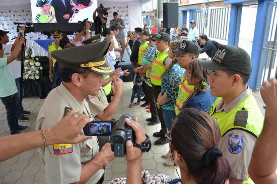 28 viviendas fueron  entregadas a policías  y a sus familias