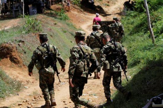 Dos soldados y cuatro civiles heridos en ataque de disidencia de las FARC