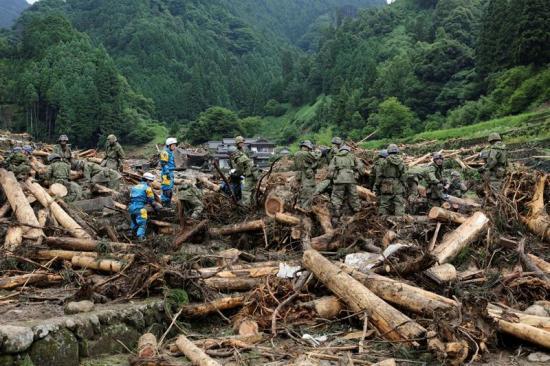 Continúa la búsqueda de 30 desaparecidos en las lluvias torrenciales en Japón