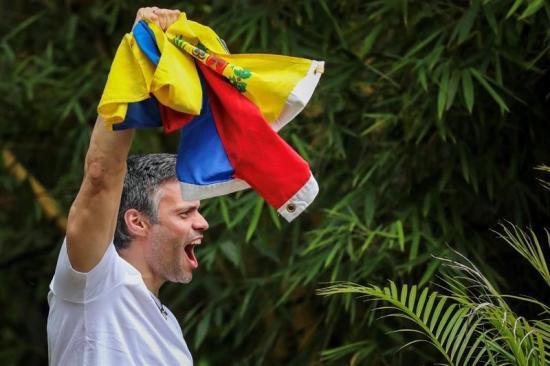 La UE ve la liberación de Leopoldo López como un 'paso en la buena dirección'