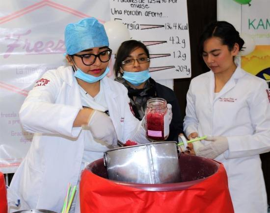 Estudiantes mexicanos elaboran helado de jamaica que previene el envejecimiento