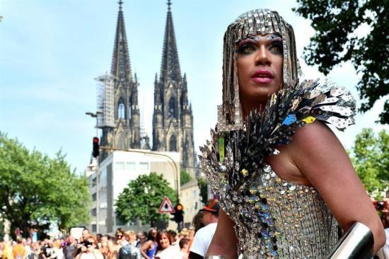 Miles celebran en Alemania legalización del matrimonio gay