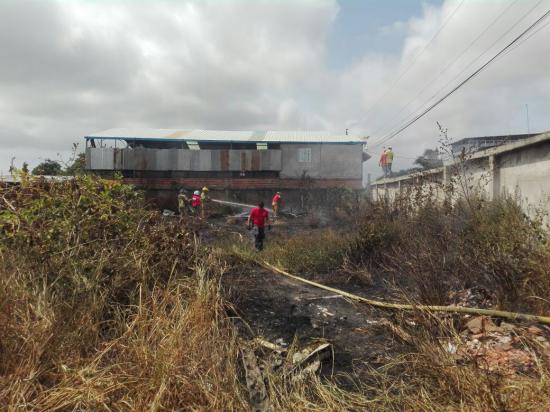 Conato de incendio genera alarma en una ciudadela de Manta