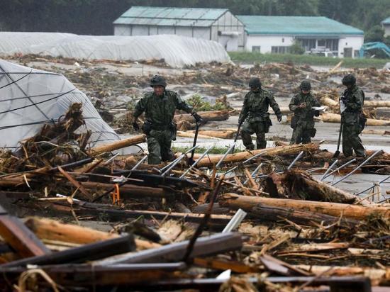 Sigue la búsqueda de 30 desaparecidos por lluvias